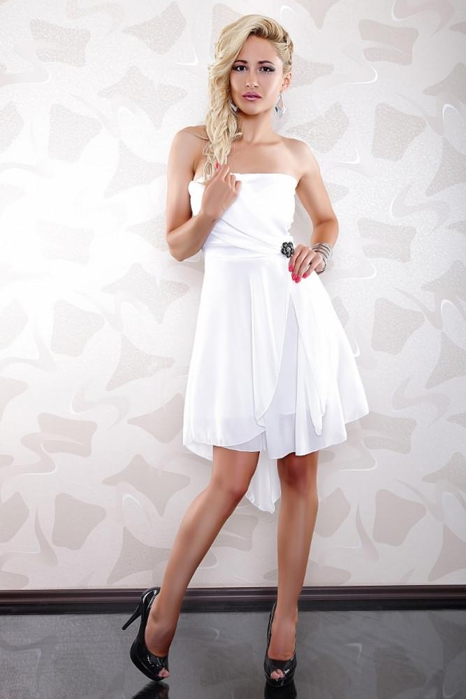 68229f449b5 VÝPRODEJ  Krátké společenské šaty a krátké plesové šaty s příjemnými ...