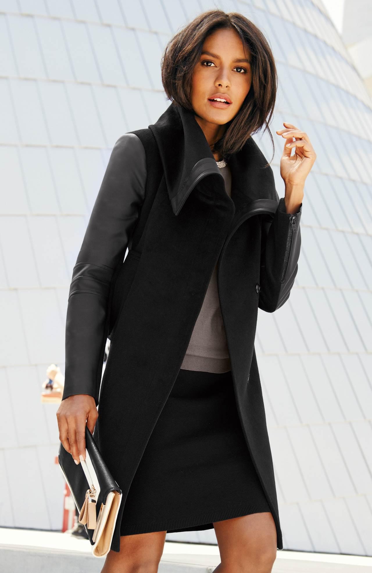 2f66413a718e VÝPRODEJ  Dámské zimní kabáty se slevou v nabídce Halens